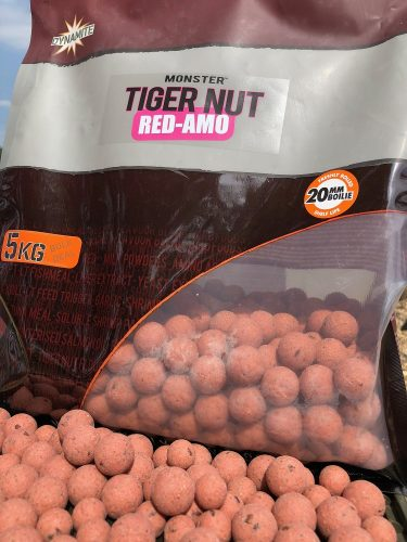 red amo carp fishing boilies
