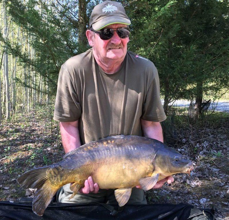 dad milsom on monster tiger nut carp