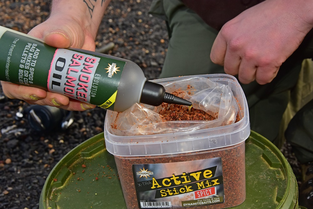 To form his PVA bag mix, Wayne adds a little Smoked Slamon oil to the Spicy Stick Mix