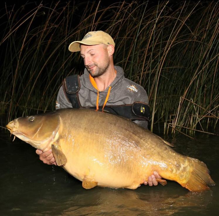 rene jauker 29.8kg wcc record fish on source and crave baits