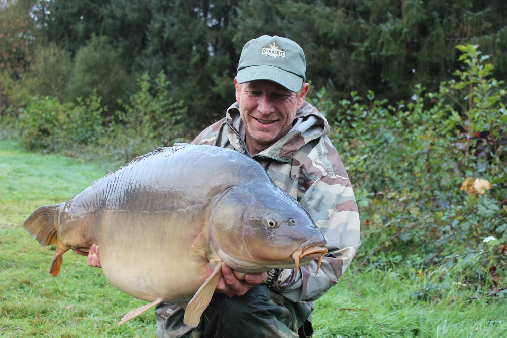 red amo caught 56lb carp