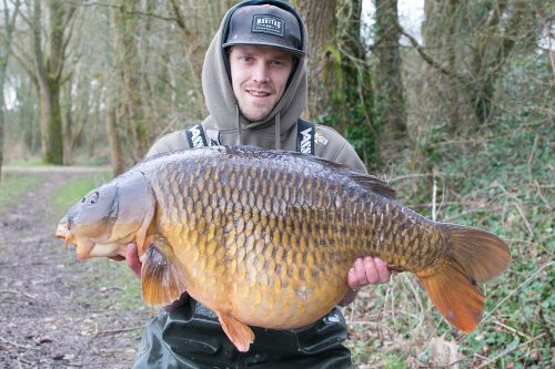 Richie Leat with his 41lb scar common on monster tiger nut pop-up