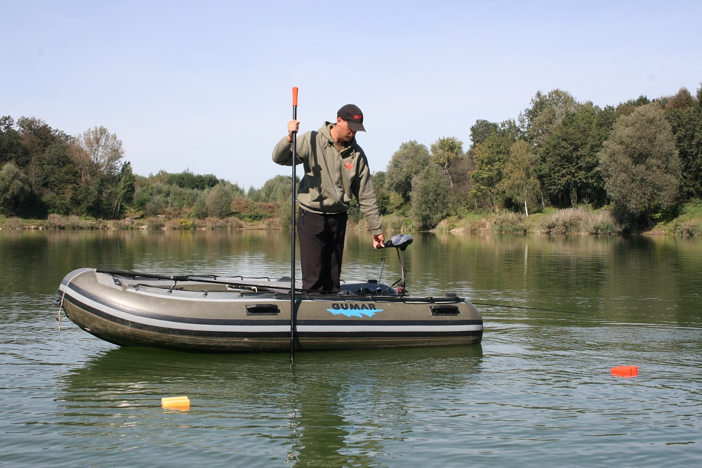 using a boat to help carp fishing