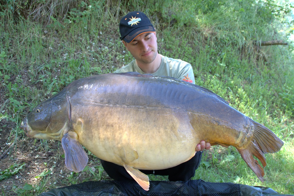 Kristof's 24.2kg carp caught in bosnia