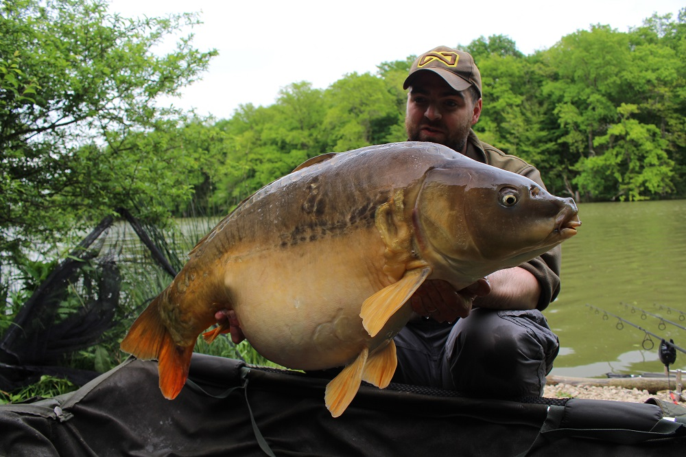 moorlands fishery complex-t carp catch