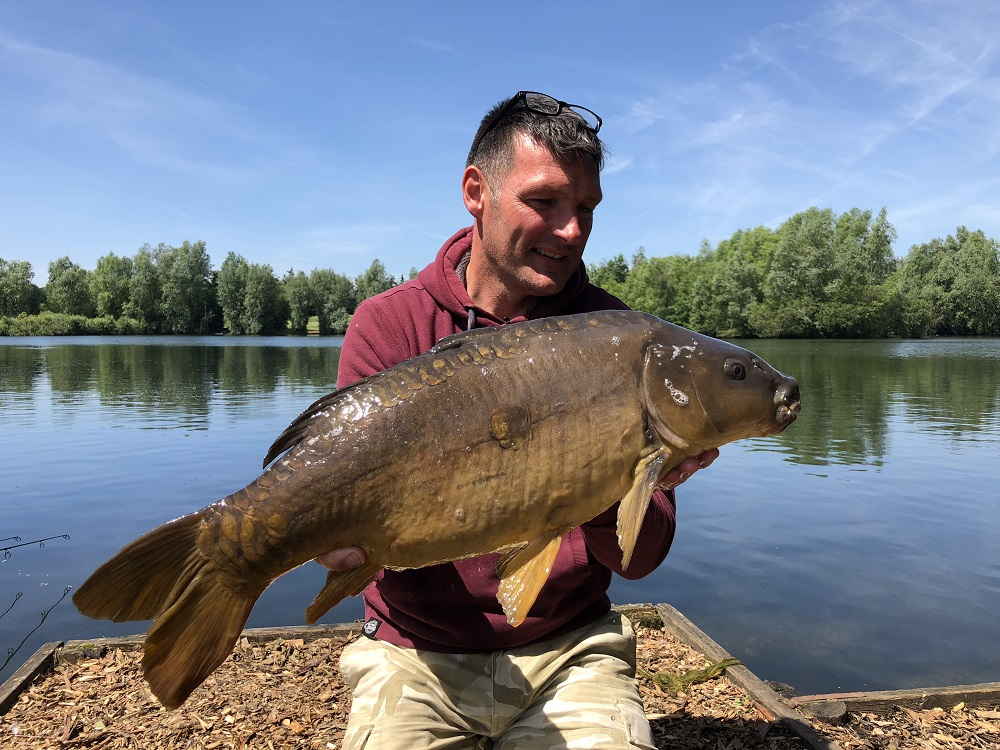 rob hughes with a zig caught carp