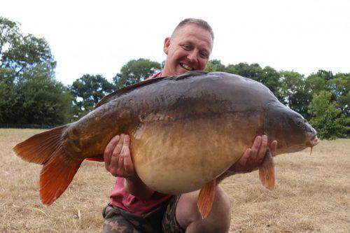 44lb 2oz craig mcevoy avenue carp fishing catch