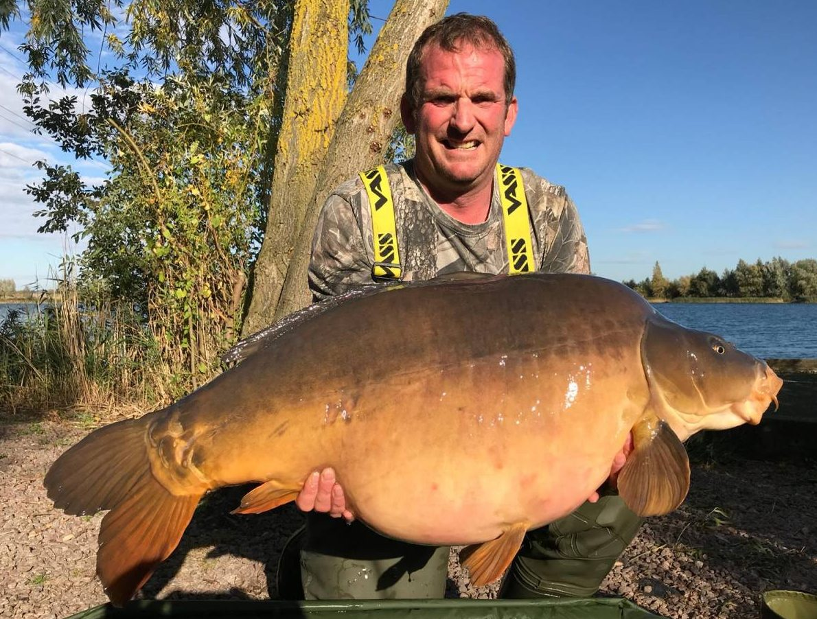 red amo caught carp fishing on Grenville Lake