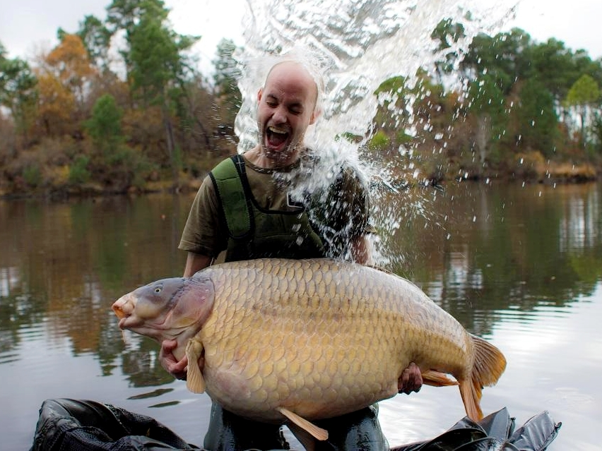 carp fishing on rainbow lake france, 92lb scar common on complex-t