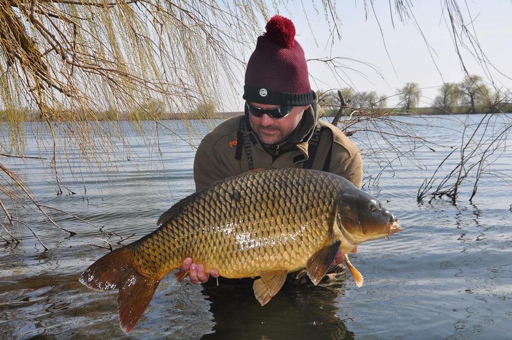 Csaba Haraszkó carp fishing lake Látókép in hungary