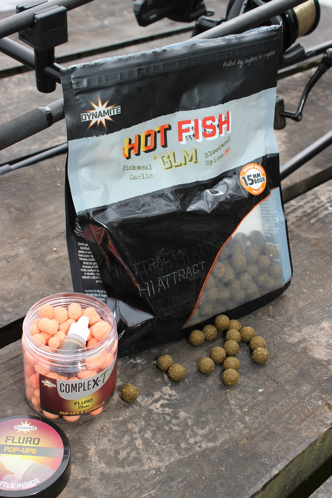 hot fish & glm boilies tipped with CompleX-T fluro pop-ups