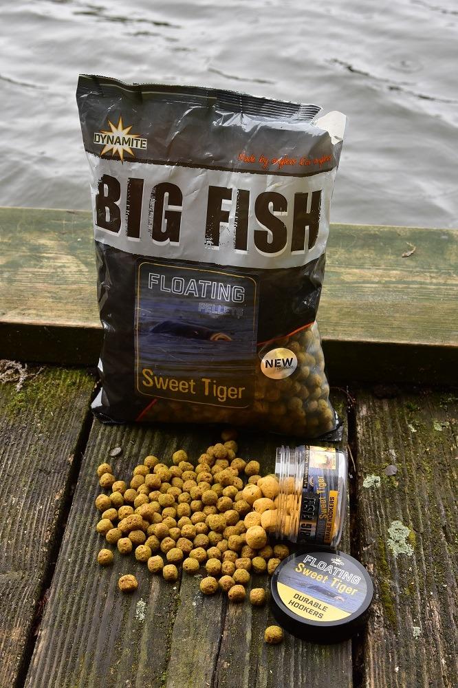 big fish surface feed carp pellets floating