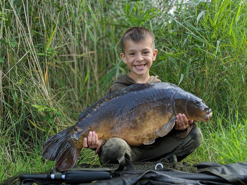 the hatrick of the lakes big carp