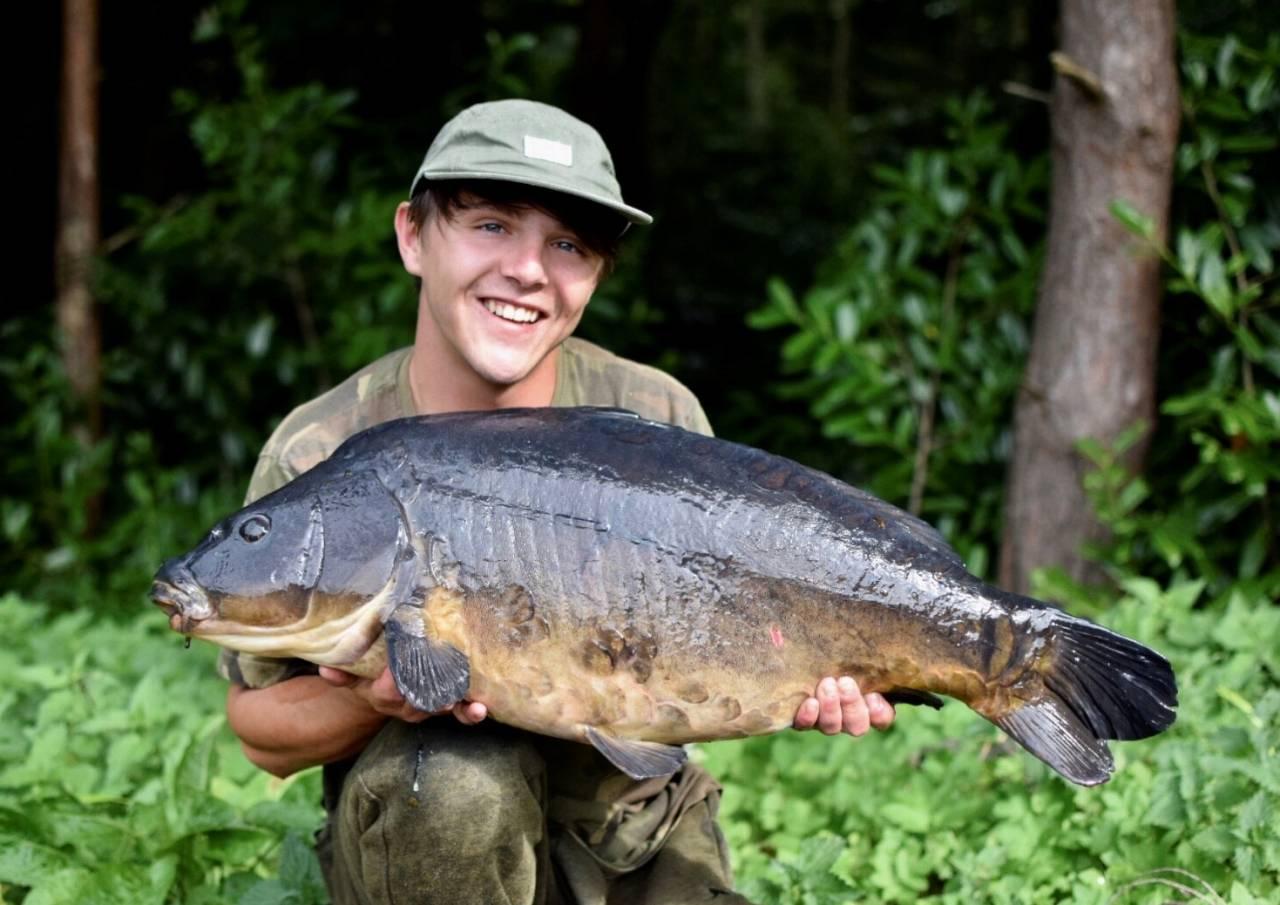 estate lake carp catch stunner