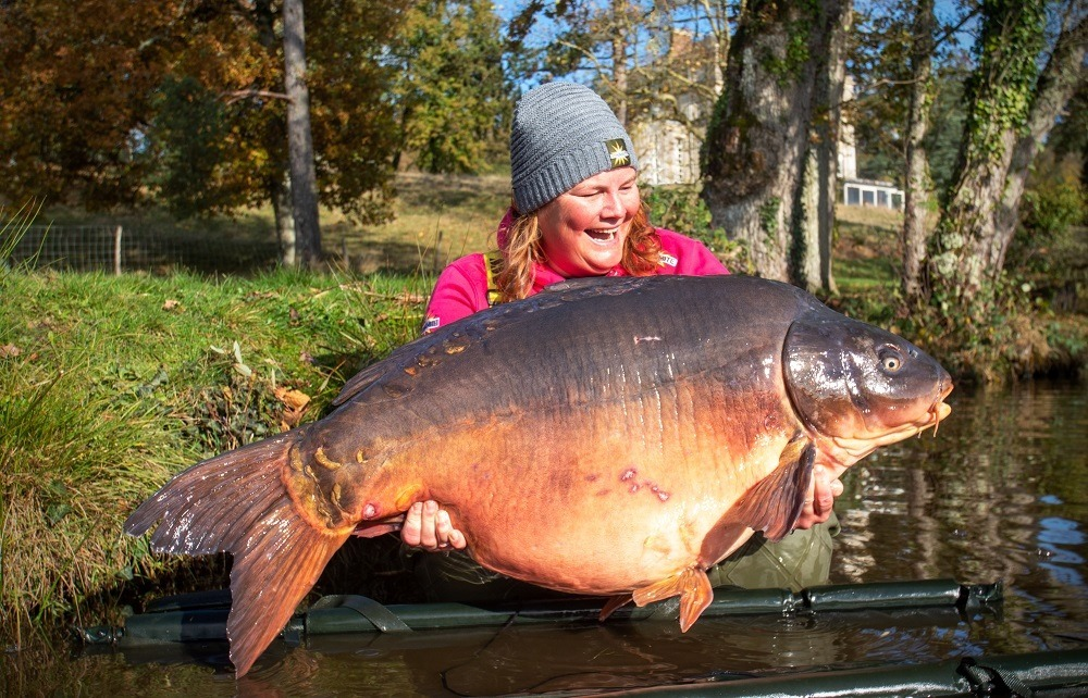 Estate Lake 70lb 5oz lake record source and hit n run pop-up