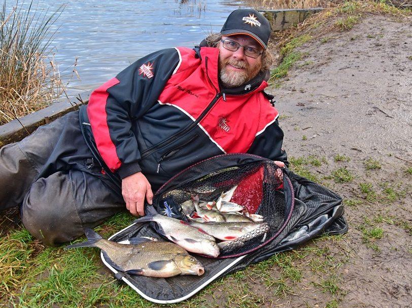 silverfish feeder fishing