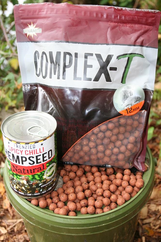 compleX-T carp boilies and chilli hemp