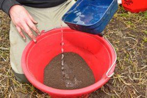 mixing groundbait